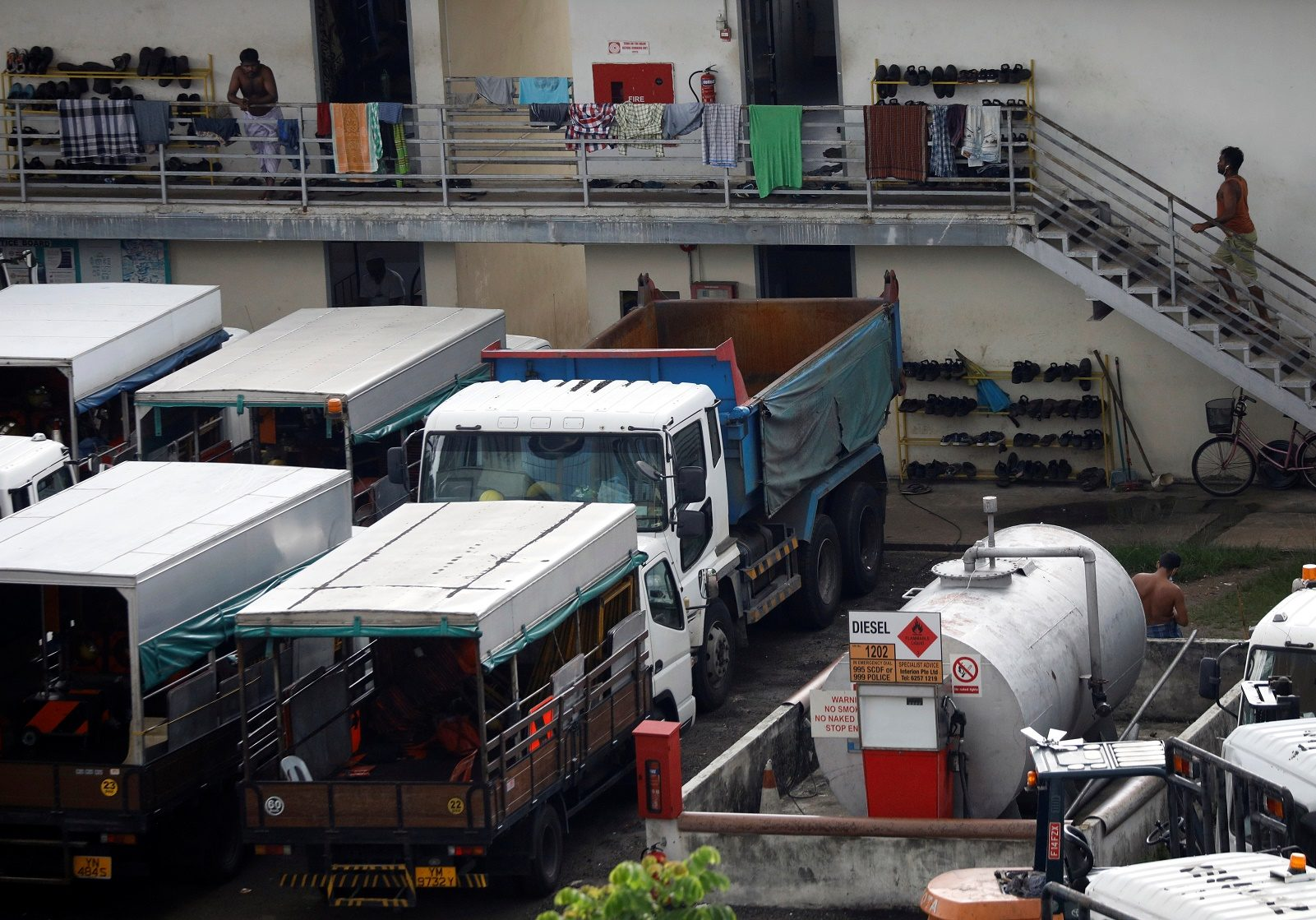 """สิงคโปร์ตั้งเป้าเพิ่มกำลังตรวจเชื้อ """"โควิด"""" 500% เวียดนามเปิดรร.หลังไร้ผู้ติดเชื้อเพิ่ม"""