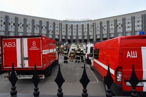 """ไฟไหม้รพ.รัสเซีย ดับผู้ป่วยหนัก """"โควิด"""" 5 ศพ ชี้ปมเครื่องช่วยหายใจทำงานหนักเกิน!"""