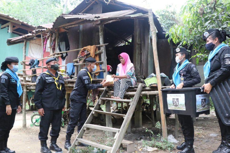 Army Delivery บุกป่าฝ่าดง ส่งตรงอินทผาลัมถึงผู้ยากไร้ 10 วันสุดท้ายรอมฎอน