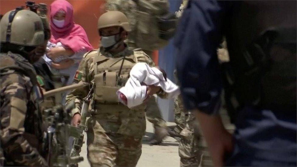 สงครามอัฟกานิสถาน : สันติภาพที่สั่นคลอน หลังเหตุโจมตีงานศพ-แผนกทำคลอดในโรงพยาบาล
