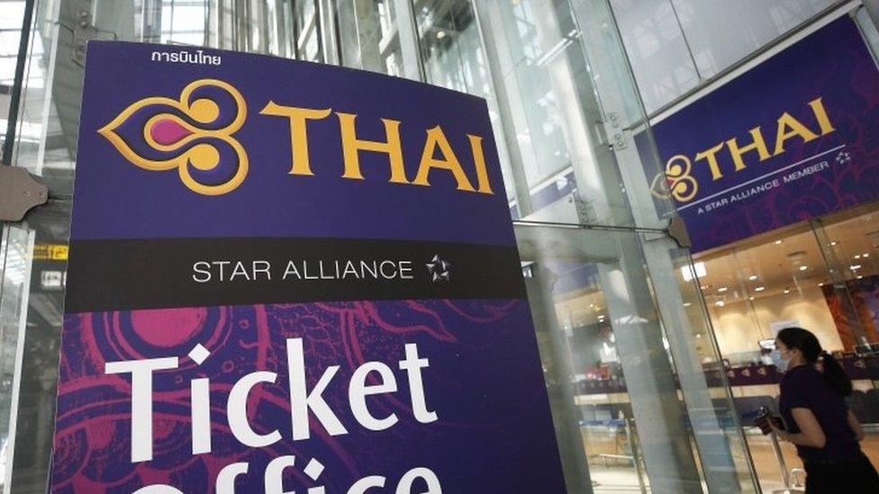 """การบินไทย : สายบินแห่งชาติต้อง """"บิน"""" ผ่านอะไรบ้างในการฟื้นฟูกิจการ"""