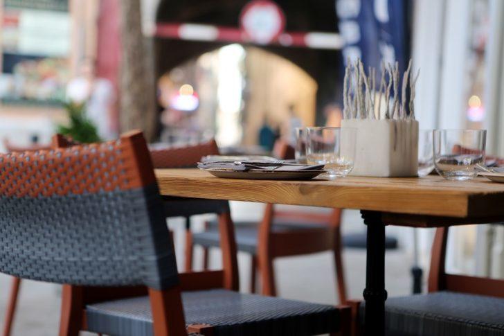 มาตรการเว้นระยะฉุดยอดขายร้านอาหารร่วง80% เจ้าของร้านลุ้น 1 มิ.ย.รับลูกค้ามากขึ้น