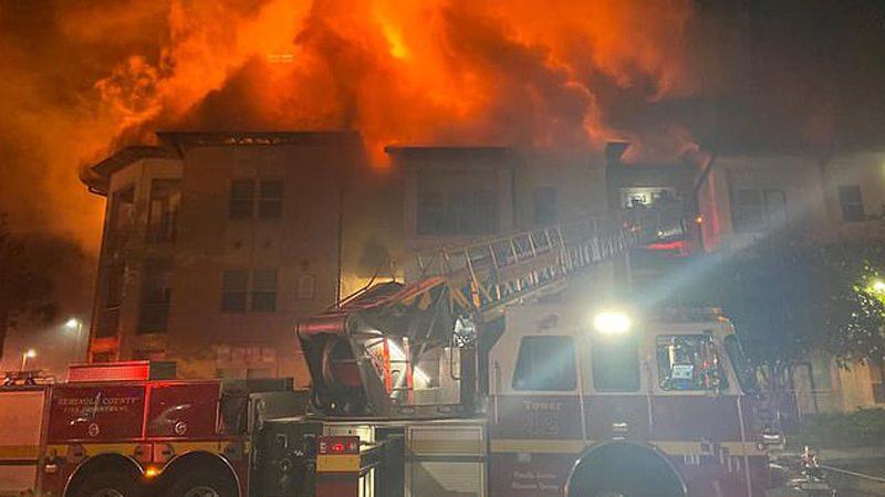 ฟ้าผ่าอพาร์ตเมนต์ฟลอริดา3ชั้น วอดวายไปครึ่งตึก 41 ชีวิตไร้บ้าน