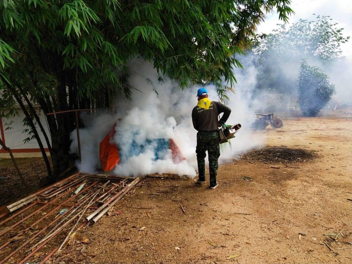 ทหารพ่นควันฆ่ายุงช่วงฤดูฝน ป้องกันการแพร่ระบาดไข้เลือดออก