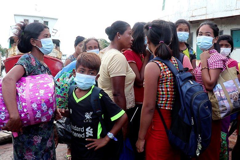 ไว้ชีวิตประชาชนด้วย ยูเอ็นขอพม่า ศึกรบรัฐยะไข่ หมื่นคนหนีออกมาไม่ได้