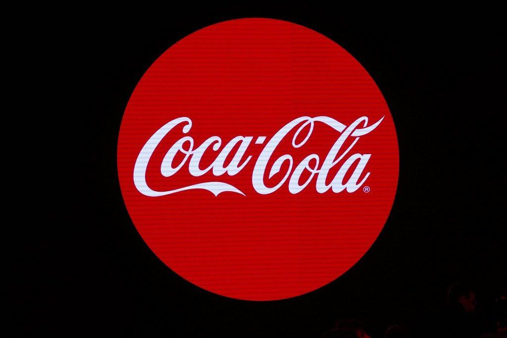 """โคคา-โคลา หยุดโฆษณาทางโซเชียลมีเดีย 30 วัน ขีดเส้นล้าง """"เฮตสปีช"""""""