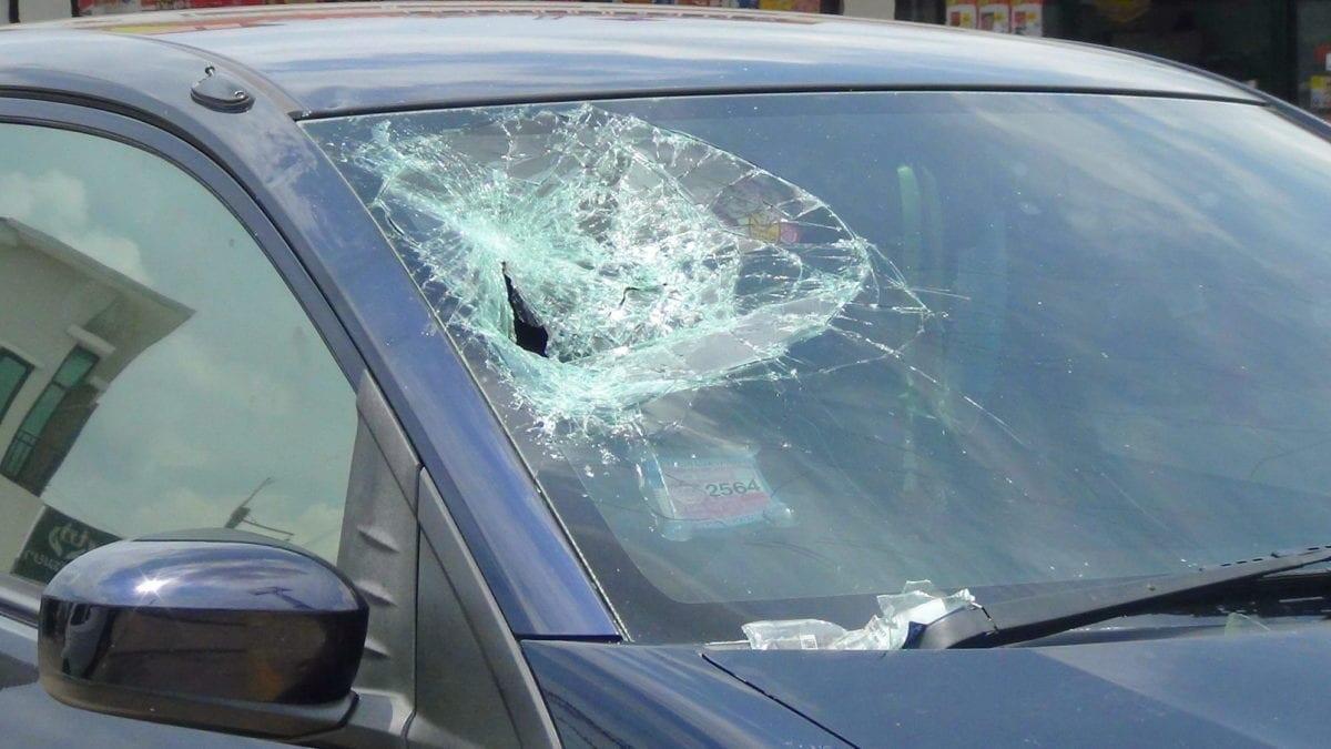 ผัวเมียตีกันทำวุ่น ชาวบ้านเข้าใจผิดคิดว่ารถถูกโจรกรรมทรัพย์