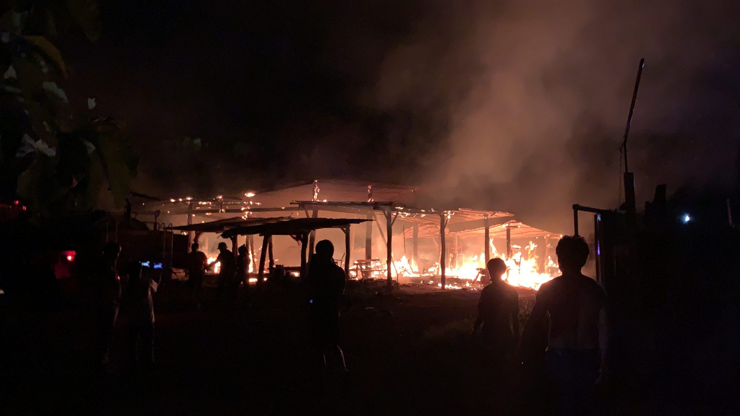 ไฟไหม้โกดังเก็บของและเครื่องมือที่หนองคาย คนงานบาดเจ็บ เสียหาย 3 แสน