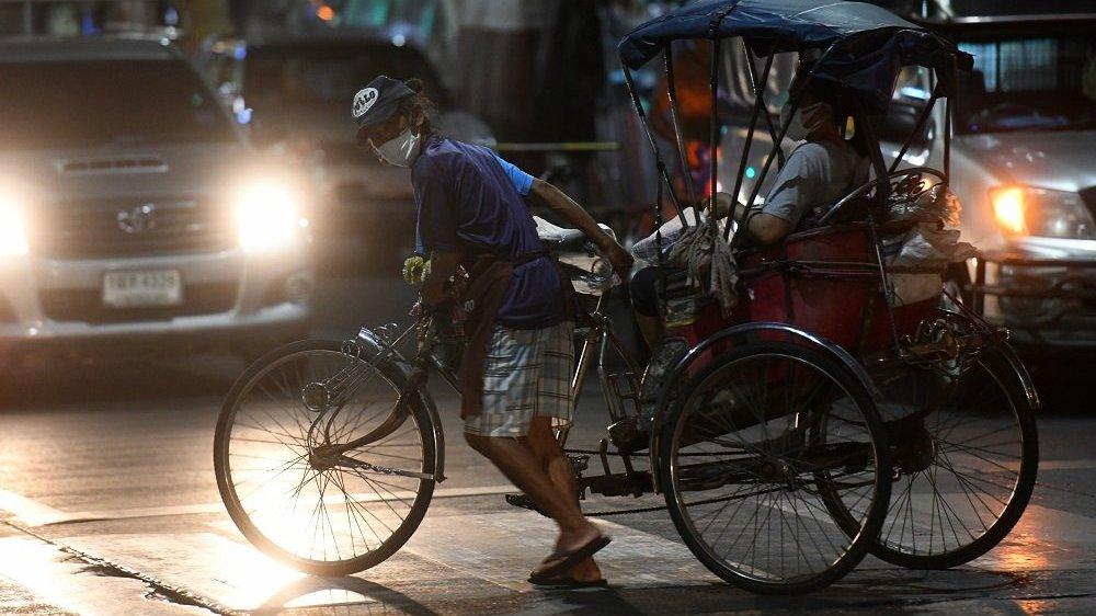 โควิด-19 : ธนาคารโลกแนะรัฐเร่งสร้างงาน คาดเศรษฐกิจไทยต้องใช้เวลาฟื้นฟูอย่างน้อย 2 ปี