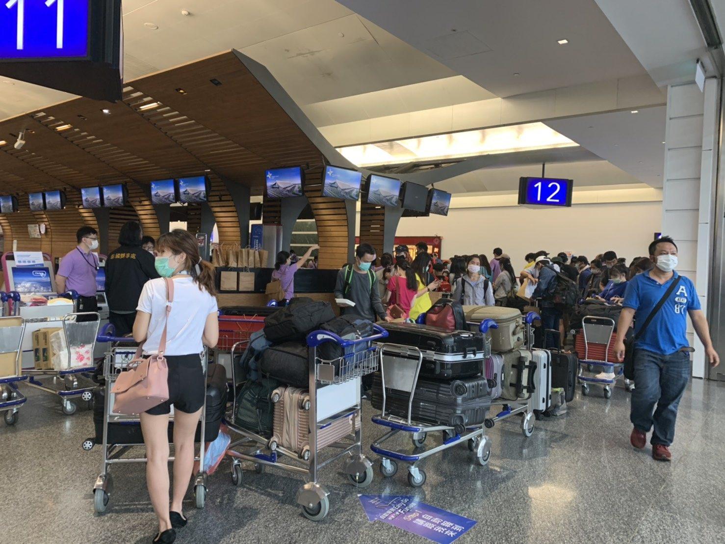 สนง.การค้าและศก.ไทยในไต้หวัน ส่ง 159 คนไทยกลับบ้าน