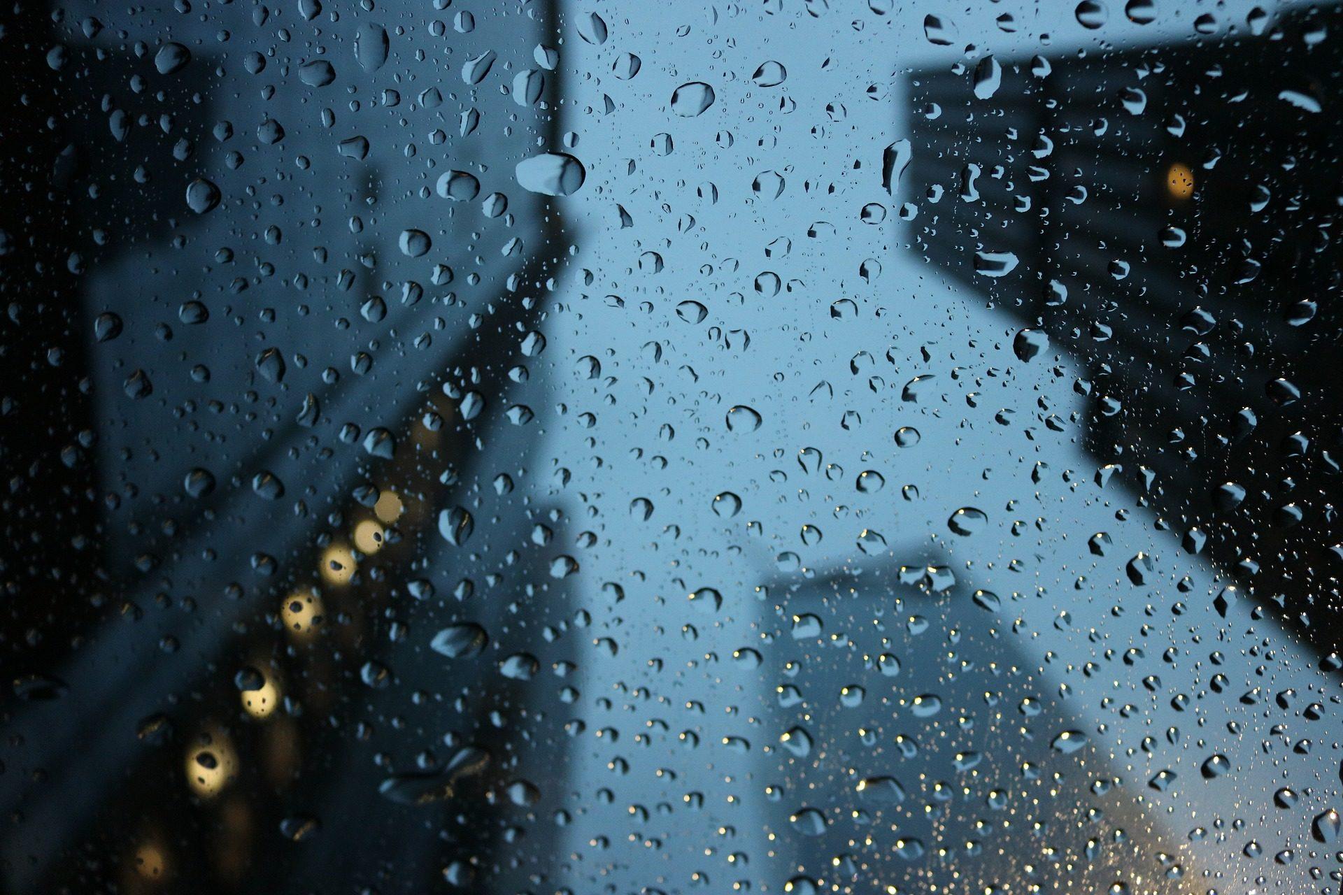 อุตุฯ เตือน 42 จังหวัด เจอฝน กระหน่ำ 'อีสาน-ตะวันออก' หนัก 60%
