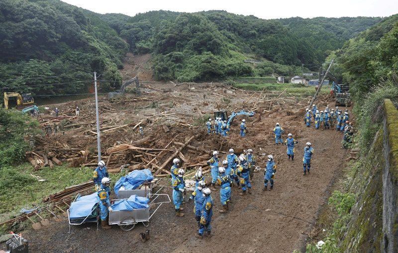 ยอดตายจากน้ำท่วม-ดินถล่มบนเกาะคิวชู เพิ่มเป็น 20 ราย สูญหายอีก 14 เตือนฝนตกหนักอีก