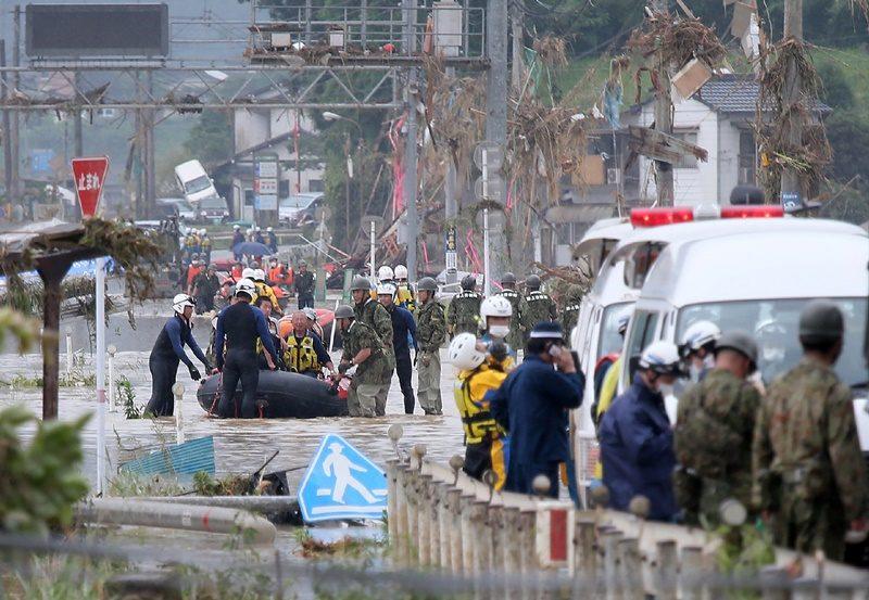 เหยื่อฝนถล่มในญี่ปุ่นพุ่ง ดับแล้ว 16 อยู่ในภาวะหัวใจหยุดเต้นเฉียบพลันอีก 20