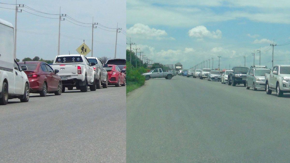 เมืองแปดริ้วรถติดอัมพาตรอบด้านตลอดวัน คนทะลักเที่ยววัดดังหลายแห่ง