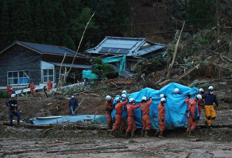ยอดเหยื่อฝนถล่มในญี่ปุ่น ดับ 2 ราย และอยู่ในภาวะก่อนเสียชีวิตอีก 16 ราย