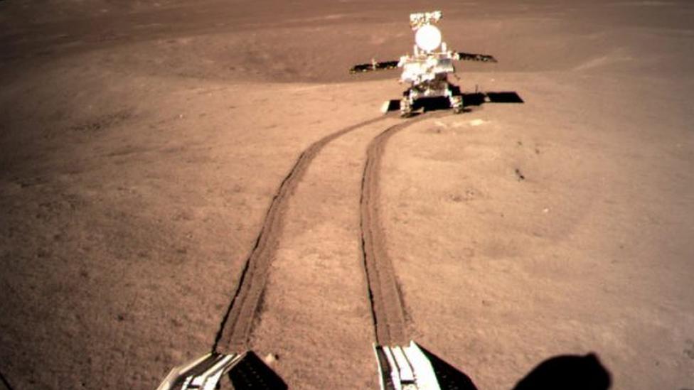 """จีนเผยผลวิเคราะห์ """"วัตถุประหลาดคล้ายเจล"""" ที่พบบนด้านไกลของดวงจันทร์"""