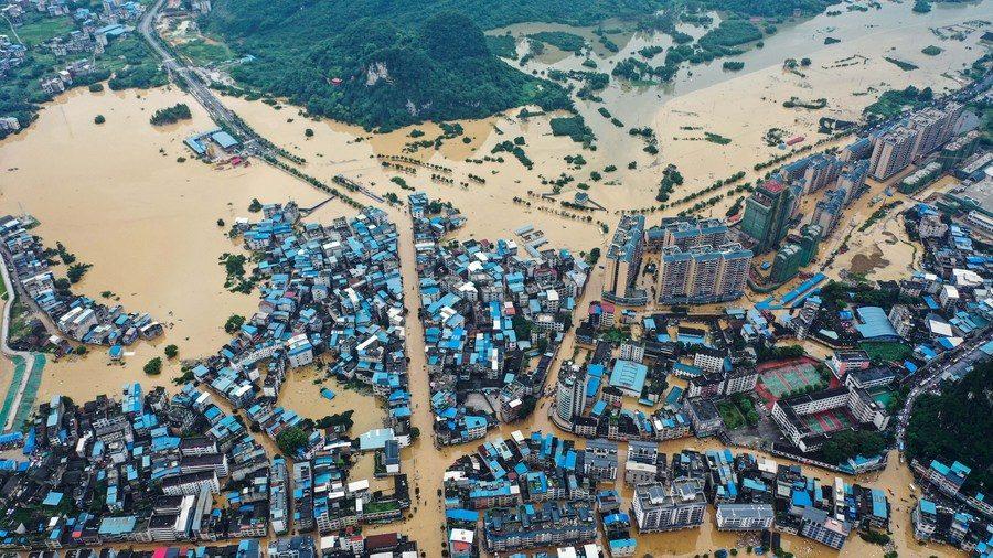 แยงซีมวลน้ำหลากซ้ำระลอกสอง ฟ้ารั่วฝนกระหน่ำ อพยพแล้ว15ล้านคน