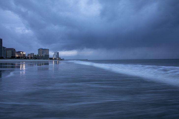 ศูนย์อุตุฯ ใต้ เตือน 1-4 ส.ค. พายุดีเปรสชั่นทำฝนตกหนัก-คลื่นสูง