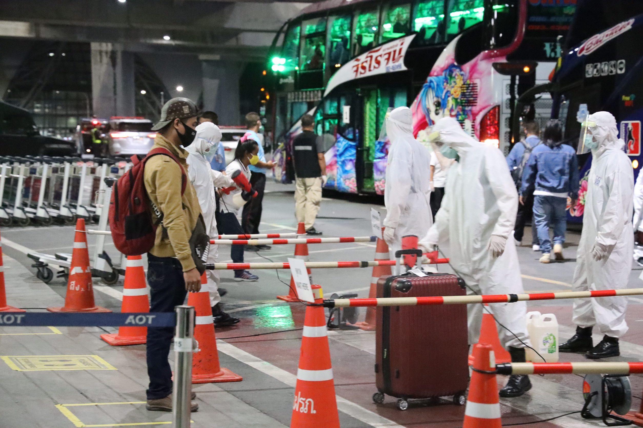 แรงงานไทยจากอุซเบกิสถานถึงไทย ขอบคุณรัฐบาลช่วยพ้นวิกฤตโควิด-19 ถึงบ้านปลอดภัย