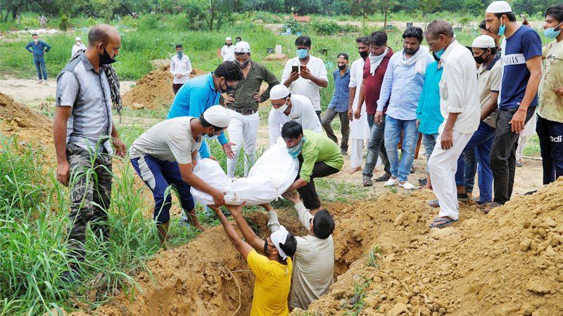 โควิด : ทั่วโลกป่วยเกิน 22.5 ล้านคน อินเดียติดเชื้อวันเดียวเกือบ 7 หมื่นคน!