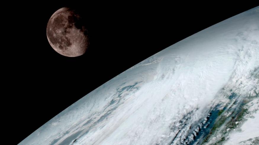 """โลกมีส่วนทำให้ดวงจันทร์ """"ขึ้นสนิม"""""""