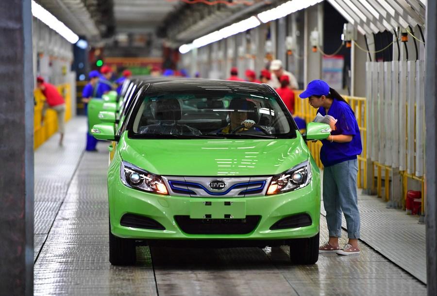 ตลาด 'รถยนต์พลังงานใหม่' ในจีนเฟื่องฟู คาดยอดขายทะลุ 5 ล้านคันในอีก 5 ปี