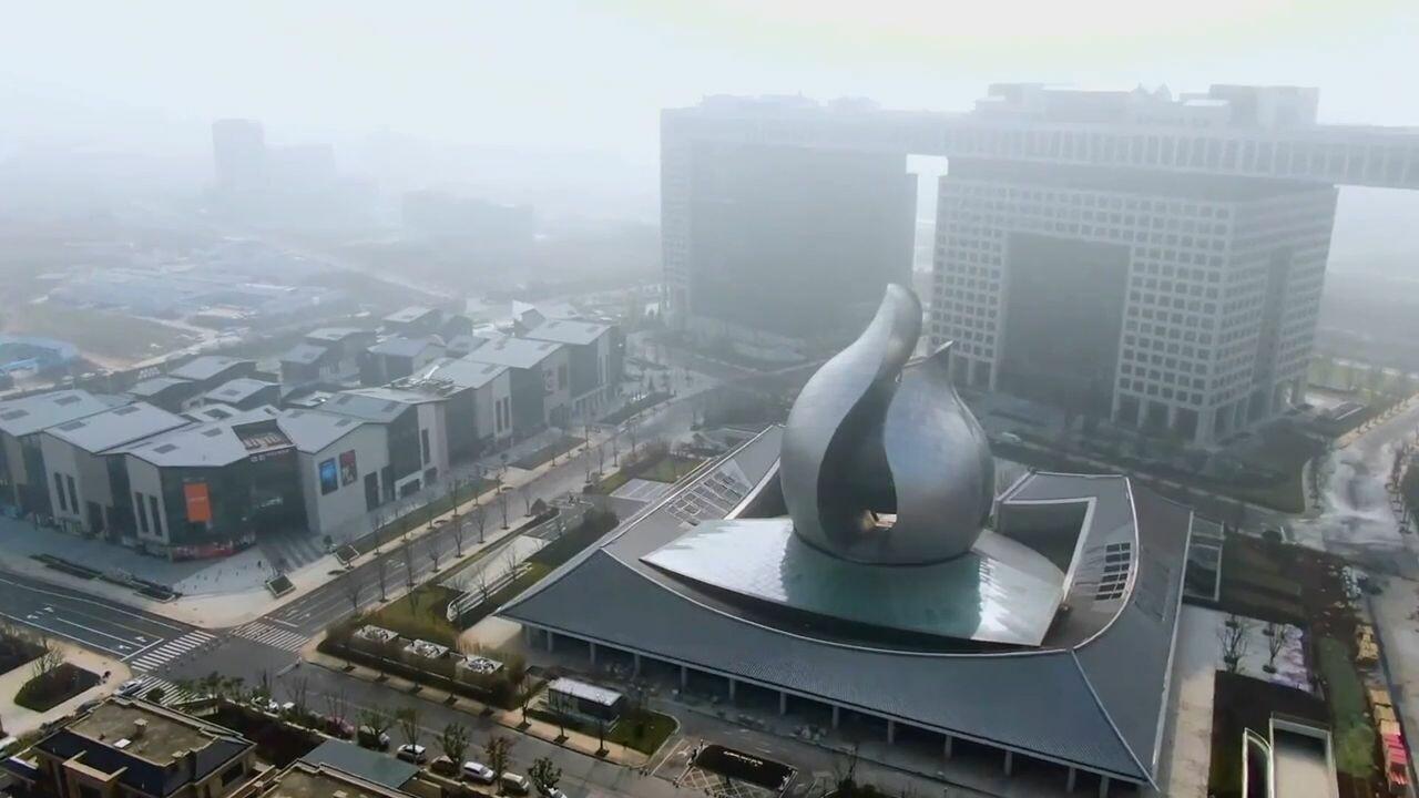 'เมล็ดพืชยักษ์' ผุดกลางอู่ฮั่น เล่าเบื้องหลังรับมือโควิดอย่าง 'ฉับไว' ของจีน