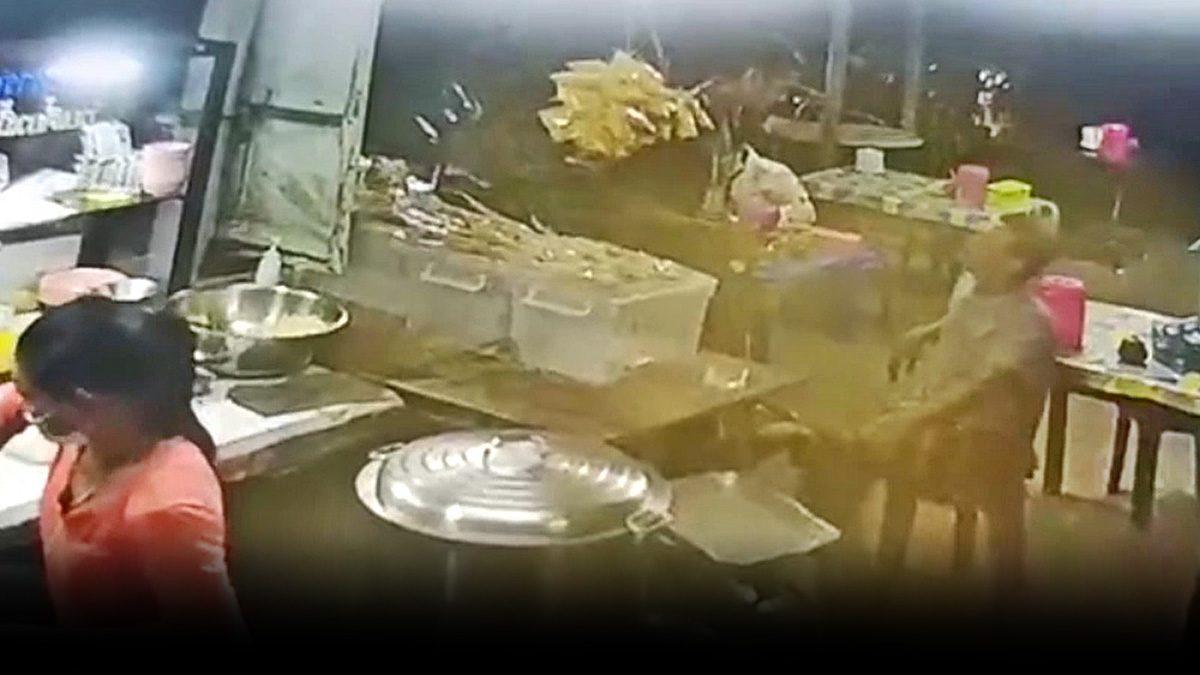 แทงดับ เสือ ระนองธานี ขาใหญ่เมาขวางโลก หนุ่มซาเล้งโดนหาเรื่อง จ้วงไม่ยั้ง
