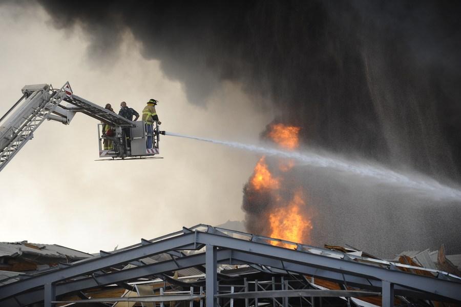 เหตุไฟไหม้ใหญ่ 'ท่าเรือเบรุต' ต้นตอจากโกดังสินค้า