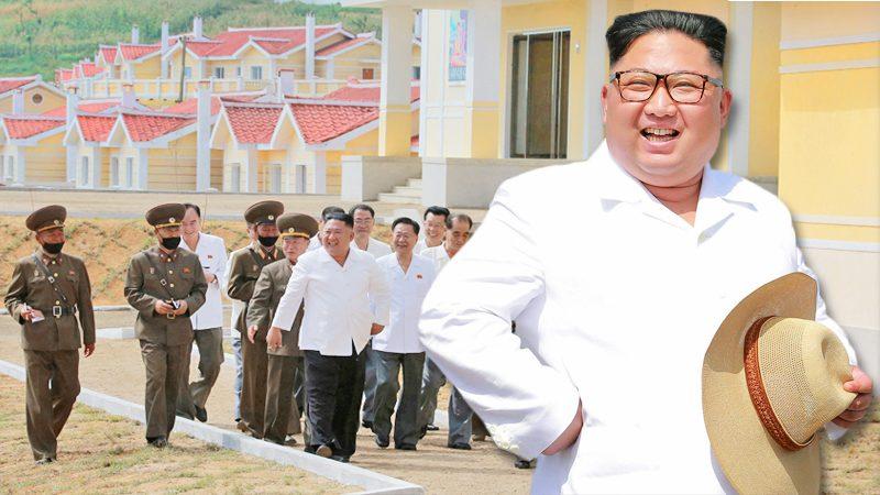 """คิม จองอึน โผล่ชื่นชม """"กองทัพ"""" ช่วยประชาชน เนรมิตเมืองใหม่-หลังพายุถล่มยับ"""