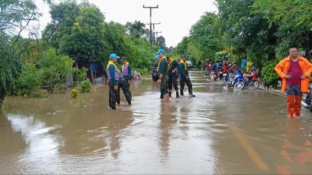 พิษ 'โนอึล' น้ำป่าไหลหลากจากเขาใหญ่ท่วมหมู่บ้านในจ.ปราจีนบุรีเสียหาย