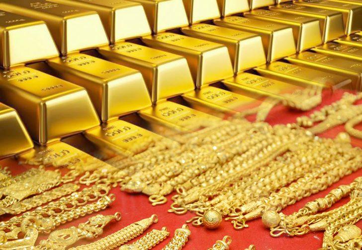 คนแห่สนใจม็อบ ทำตลาดทองคำกร่อย ราคาร่วง 100 บาท
