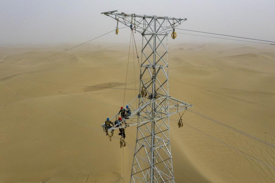 'ซินเจียง' จ่ายไฟฟ้ารายปีเกิน 1 แสนล้านกิโลวัตต์แล้ว