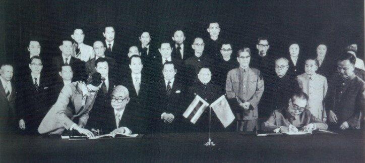 """ย้อนอดีต มองอนาคต 45ปีความสัมพันธ์ไทย-จีน ผ่านสายตา """"เตช บุนนาค"""""""