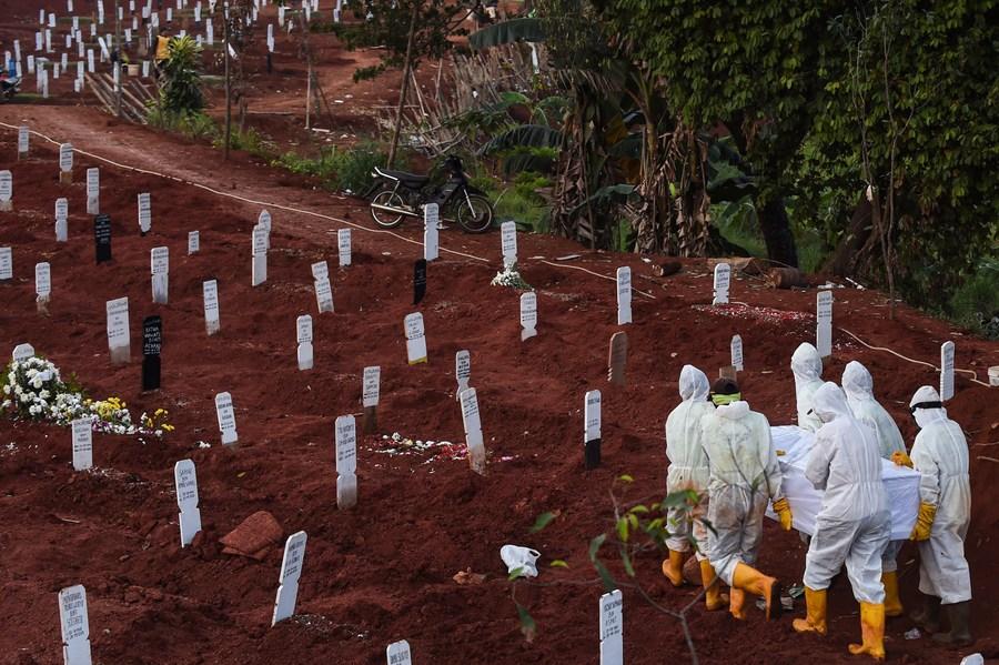 อินโดนีเซียเผยโควิด-19 คร่าชีวิตแพทย์ 136 รายแล้ว