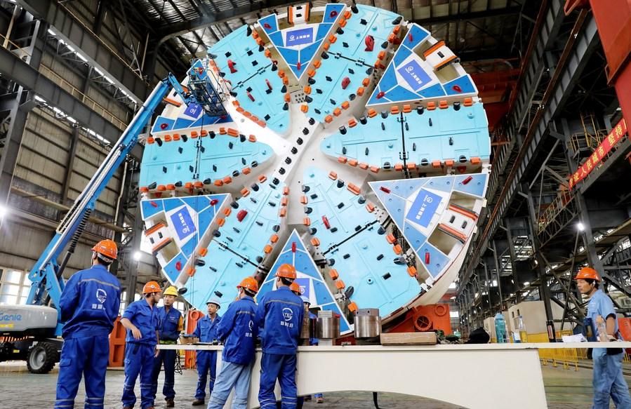 ยลโฉมเครื่องจักรขุดเจาะอุโมงค์ขนาดใหญ่พิเศษ 'ฉีเย่ว์' ในเซี่ยงไฮ้