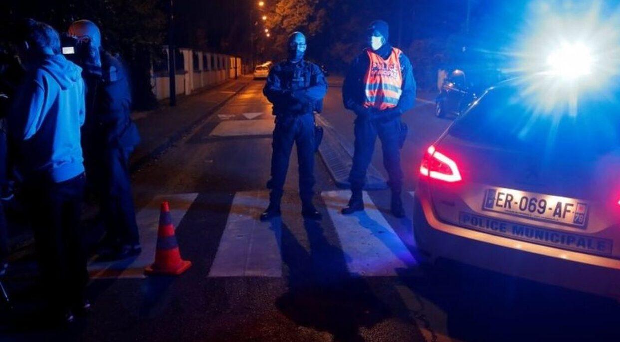 ฝรั่งเศสสอบคดีก่อการร้าย หลังครูถูกฆ่าตัดหัวชานกรุงปารีส