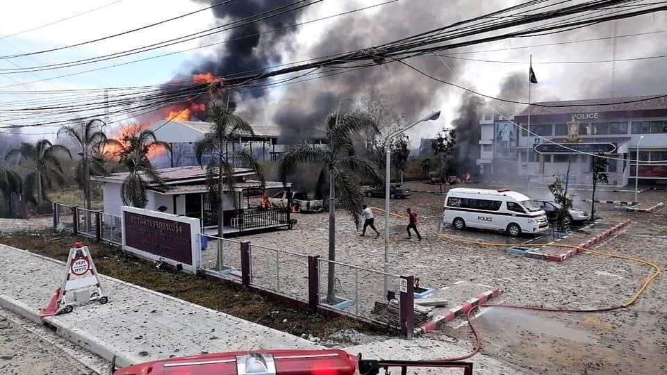 รวมคลิปความรุนแรงท่อแก๊สระเบิด เจ็บกว่า 20 ราย ดับ 2 ราย
