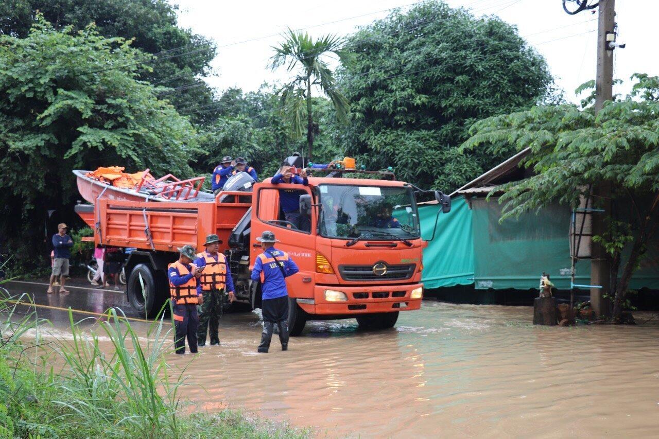 นทพ.ส่ง'รถบรรทุก-เรือ'ช่วยปชช.สัญจรจากน้ำท่วม บ.ท่าลี่ 'ผอ.สนภ.5'เกาะติดอุโมงค์เชื่อมผืนป่า เขาใหญ่ - ทับลาน ปราจีนฯ
