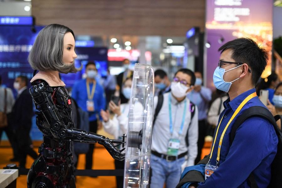 ผู้ผลิตนานาชาติขนสิ่งประดิษฐ์ทันสมัย อวดโฉมในงาน CIIE ของจีน