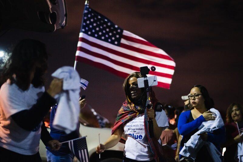 """สังคมอเมริกันหลัง """"ทรัมป์"""" ยังแยกขั้วแบ่งข้างอีกนาน"""