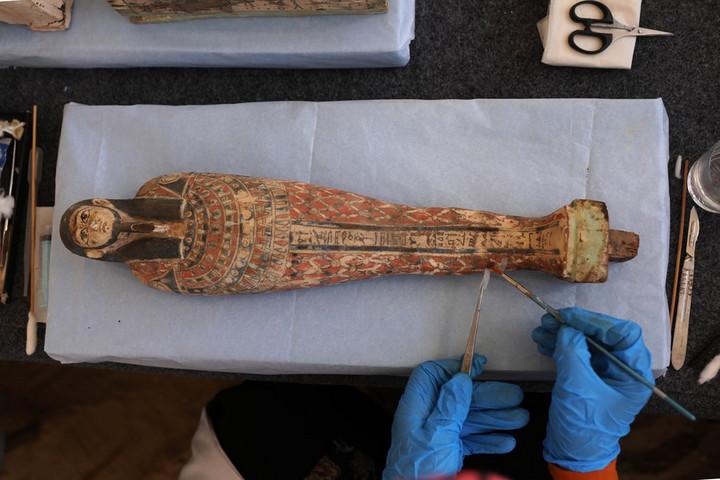 อียิปต์พบ '100 โลงศพไม้โบราณ' สภาพสมบูรณ์จากราชอาณาจักรทอเลมี