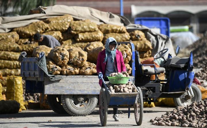 ยินดี! หนึ่งในพื้นที่ 'ยากจนที่สุด' ของจีน หลุดพ้นความยากไร้