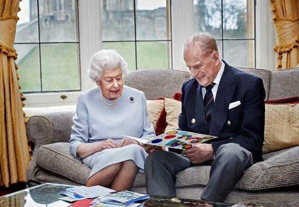 ควีนอังกฤษ พระสวามี ฉลองราชาภิเษกสมรส ครบรอบ 73 ปี