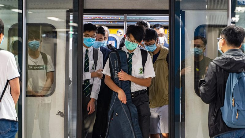 โควิดฮ่องกงพุ่งวันเดียวเฉียดร้อย สั่งยกระดับชะลอการระบาดรอบใหม่