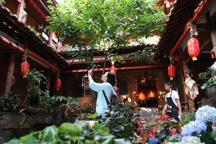 'ท่องเที่ยวชนบท' พาชาวยูนนานพ้นจนกว่า 8 แสนคน