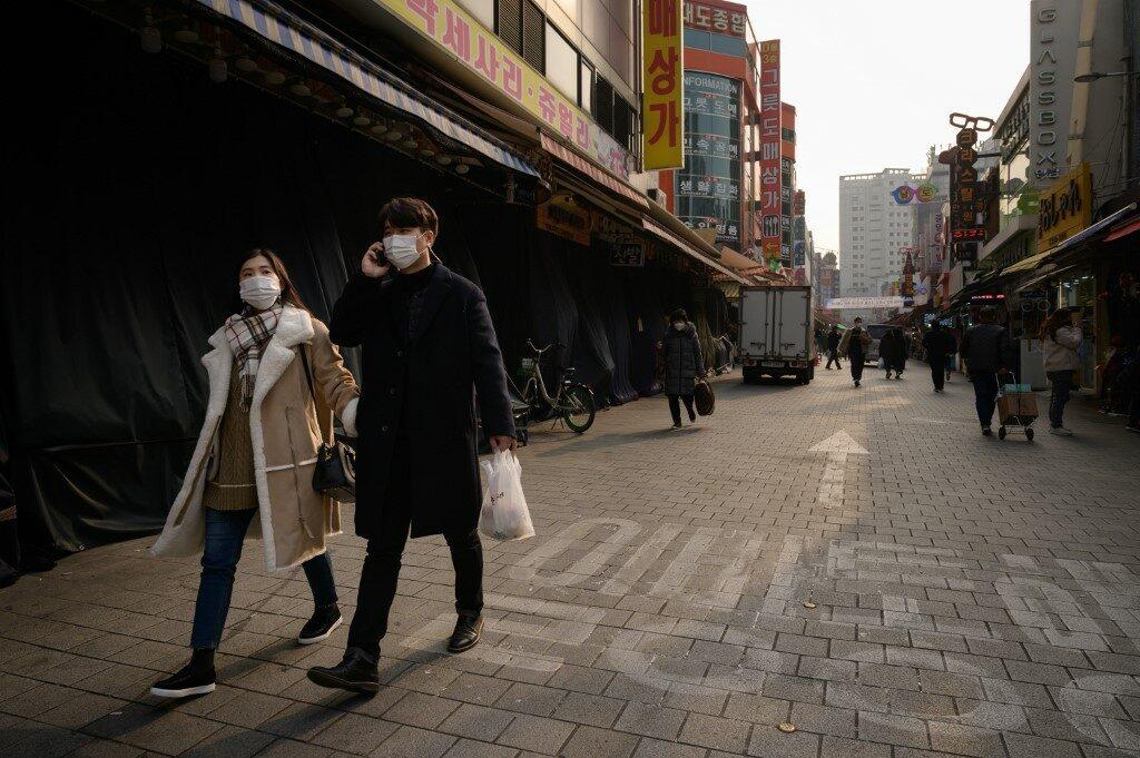 ผู้ติดเชื้อโควิดในเกาหลีใต้พุ่งสูงสุดทำสถิติ 950 คนในหนึ่งวัน
