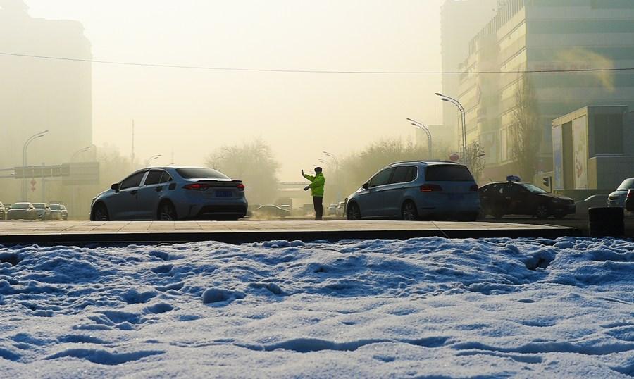 ทัพมดงานจีนกลางหิมะ ไม่หวั่นแม้วันหนาวติดลบ 20 องศา!