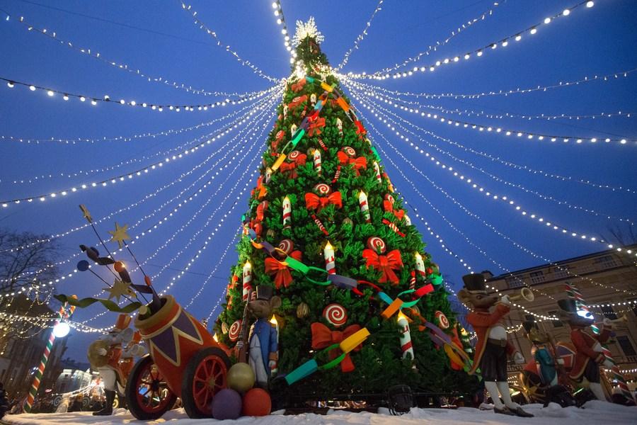 ส่อง 'ตลาดคริสต์มาส' ในเซนต์ปีเตอร์สเบิร์ก