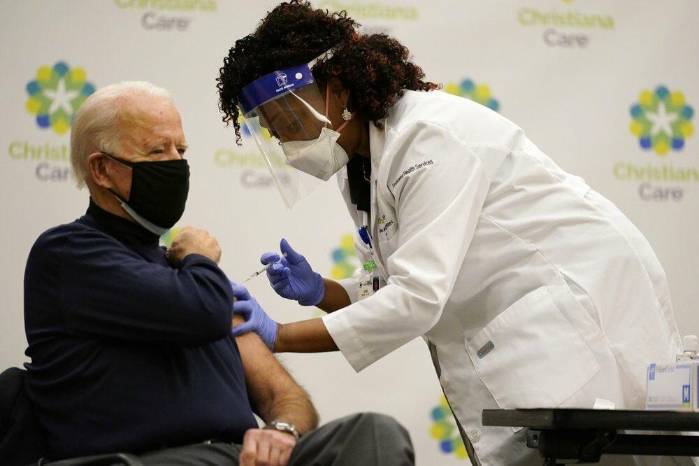 ถ่ายทอดสด 'ไบเดน' ฉีดวัคซีนต้านโควิด เจ้าตัวยันปลอดภัยแน่นอน